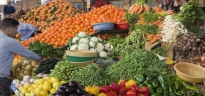 large_fruits-et-legumes-les-prix-flambent-sur-les-marches-algeriens-846c4.jpg