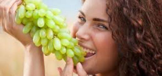 femme, raisin